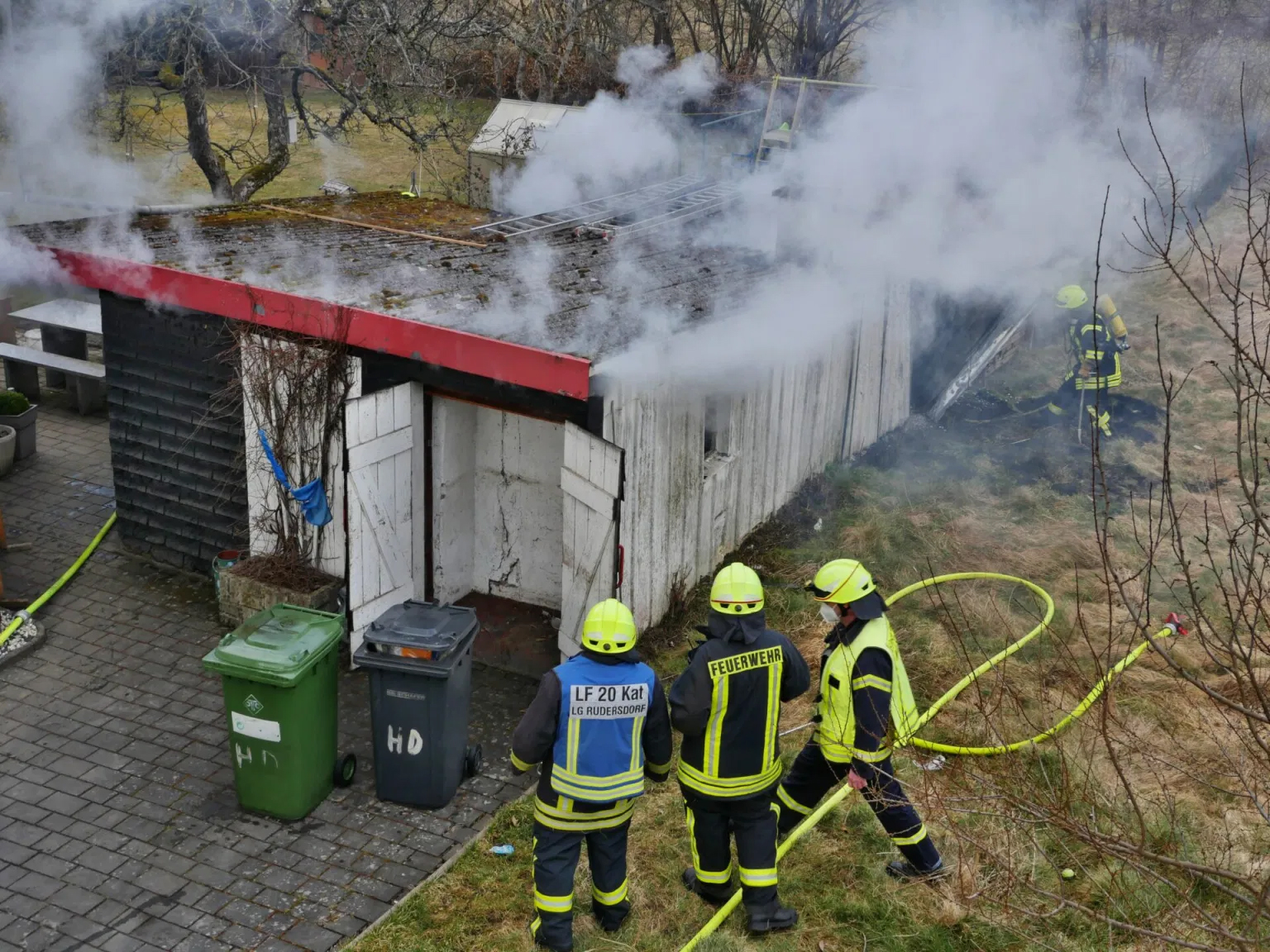 Brennender Holzschuppen in Rudersdorf