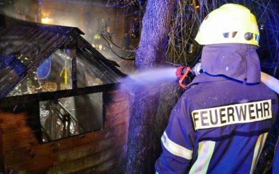 Gartenhütte komplett ausgebrannt